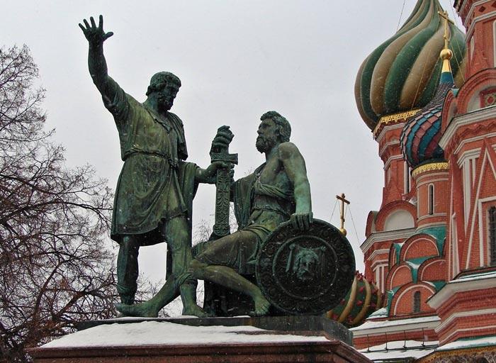 pamyatnik-Mininu-i-Pozharskomu